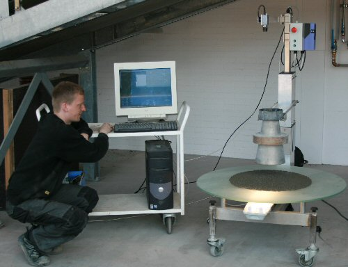 Photo of the 4C-Rheometer in use